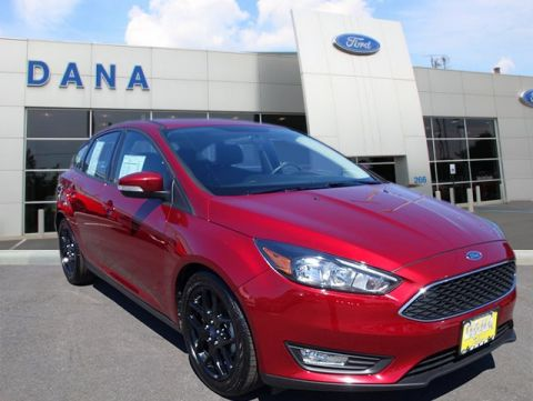 Certified Pre-Owned 2016 Ford Focus SE FWD Hatchback