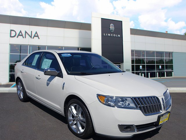 Certified Pre-Owned 2012 LINCOLN MKZ